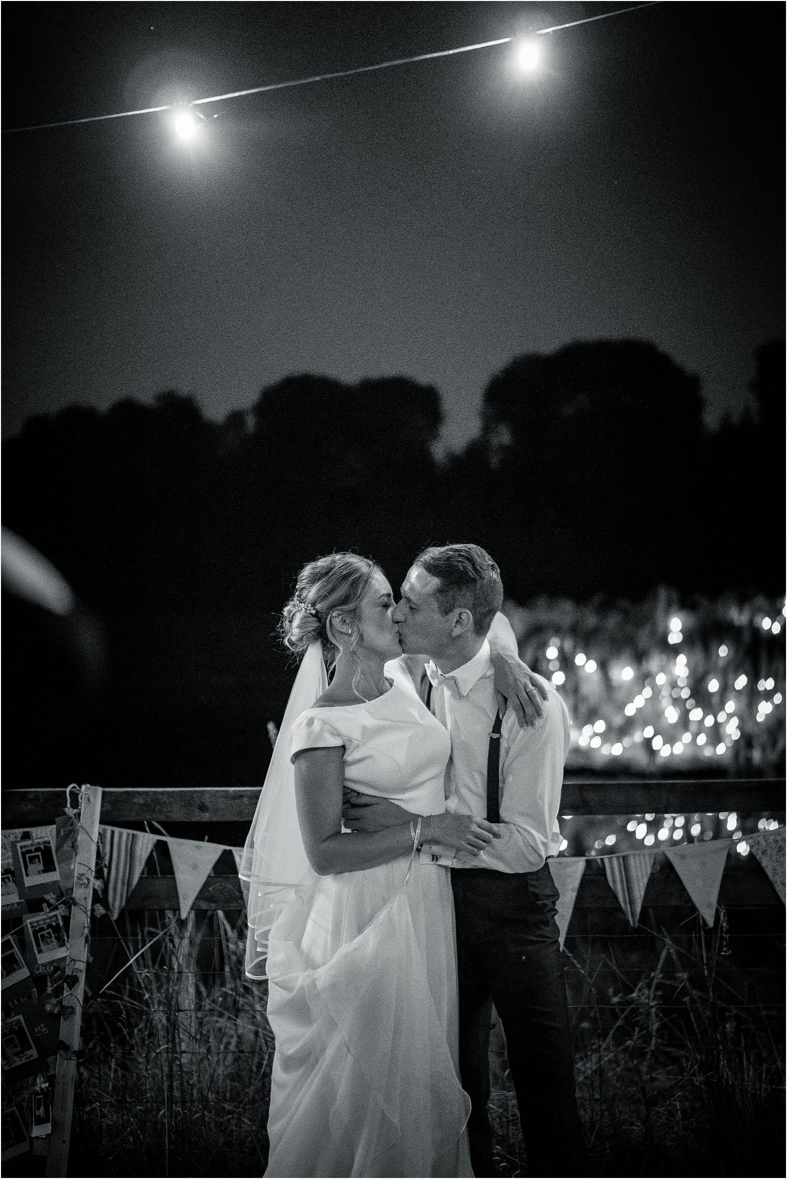 oxfordshire wedding photographer at hadsham farm
