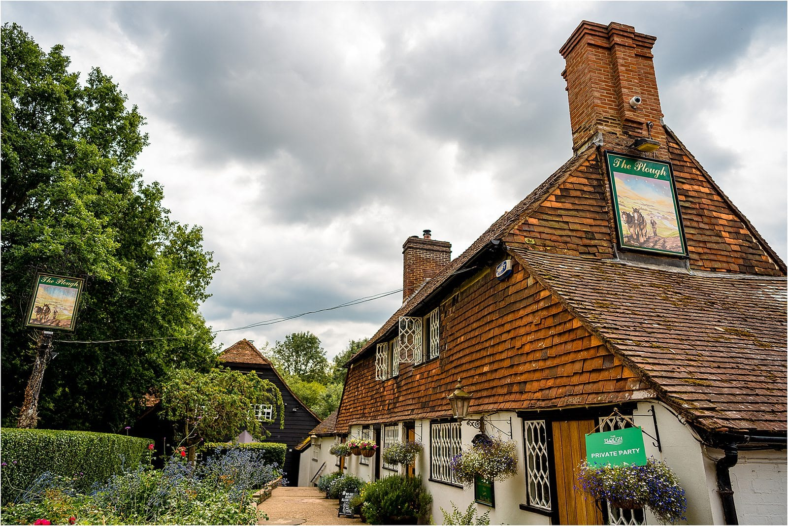 the plough inn at leigh in kent wedding venue