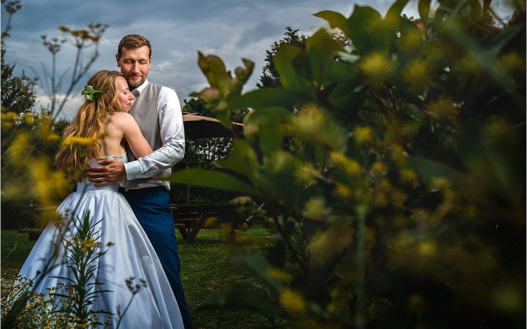 penshurst place wedding in kent followed by the plough inn at leigh