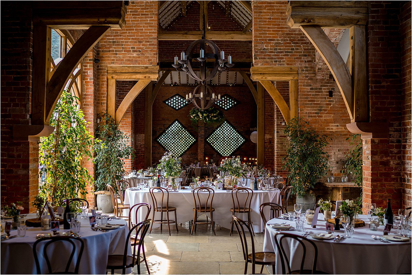 shustoke farm barns wedding in warwickshire by cripps & co